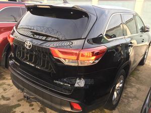 Toyota Highlander 2017 Black | Cars for sale in Lagos State, Ilupeju