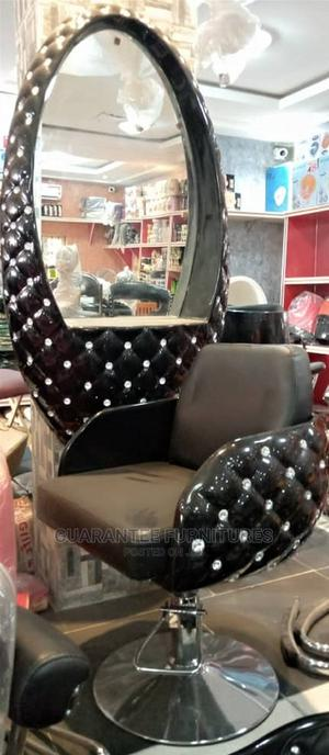 Exquisite Quality Modern Salon Chair With Dressing Mirror   Furniture for sale in Lagos State, Yaba