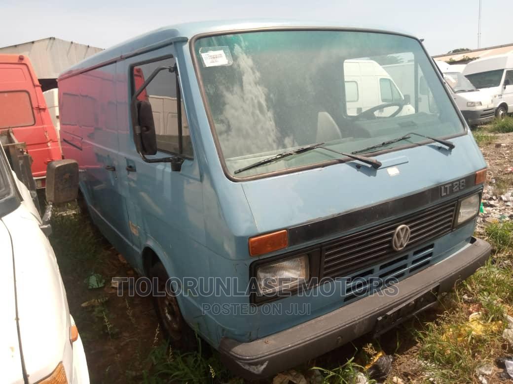 Volkswagen LT 28 2002 Blue