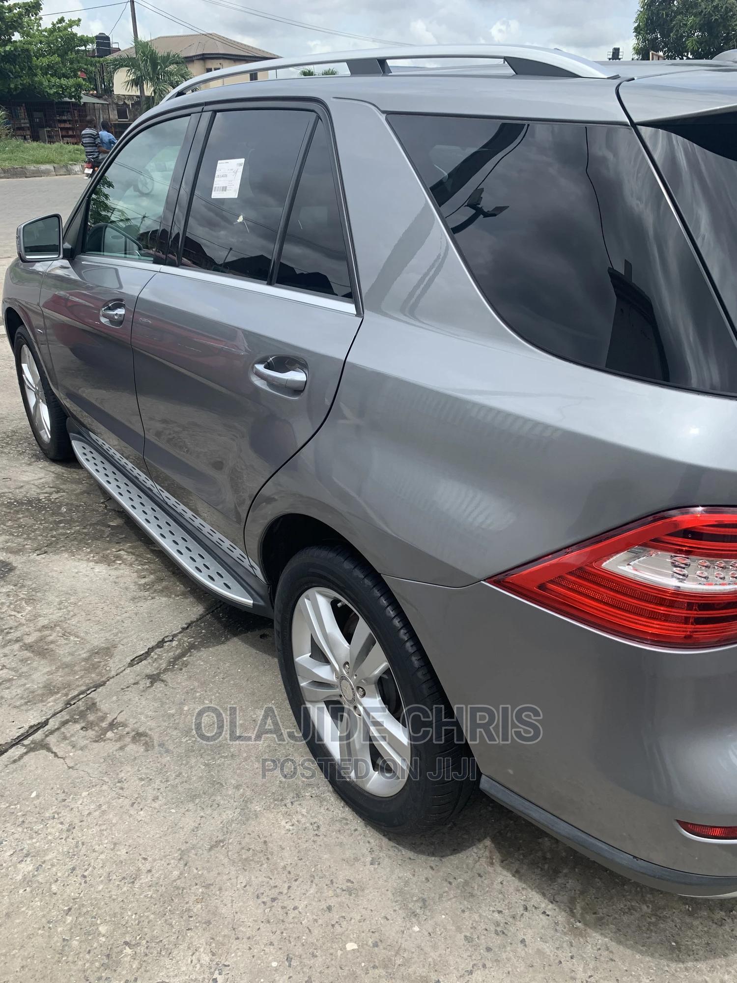 Archive: Mercedes-Benz M Class 2012 Gray
