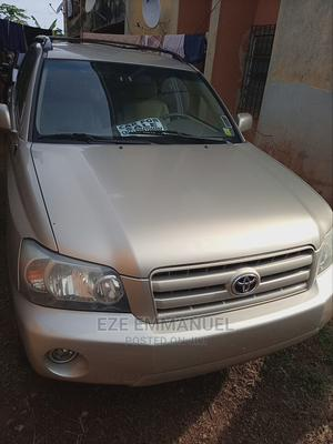 Toyota Highlander 2005 V6 4x4 Gold | Cars for sale in Anambra State, Awka