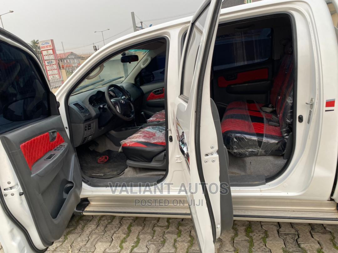 Archive: Toyota Hilux 2015 WORKMATE 4x4 White