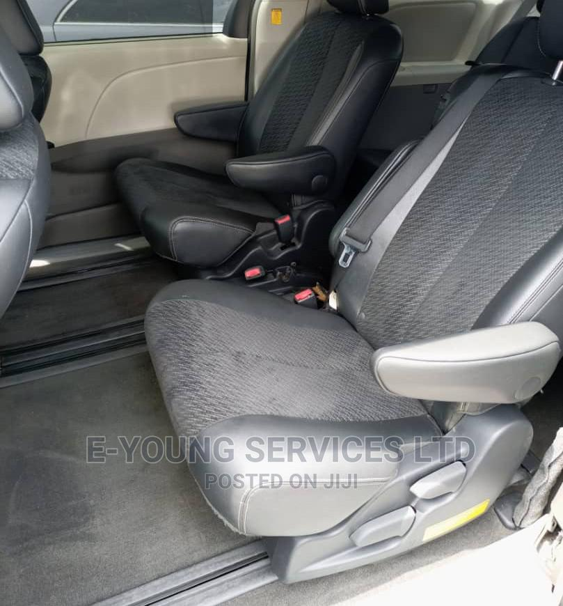 Archive: Toyota Sienna 2012 SE 8 Passenger Gray