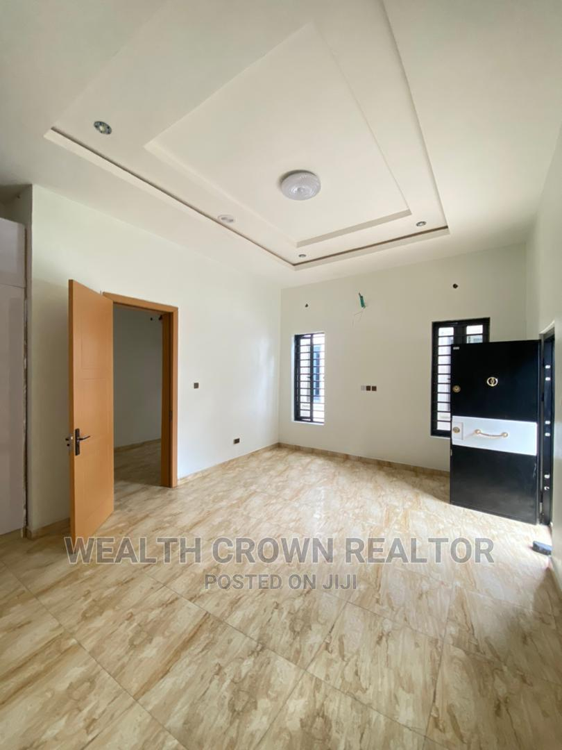 Archive: 4bdrm Duplex in Ikota for Sale