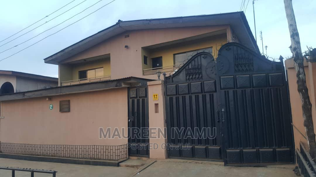 Archive: 3bdrm Block of Flats in Ikeja for Sale