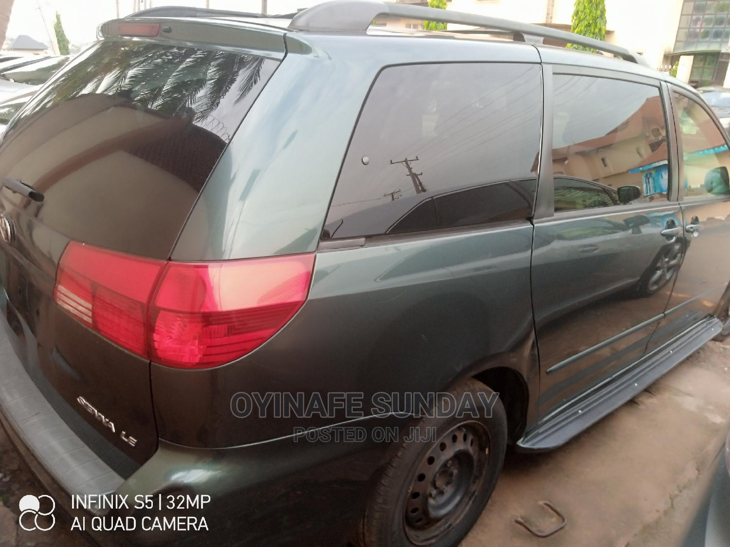 Archive: Toyota Sienna 2005 LE AWD Green