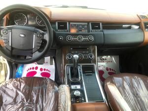 Land Rover Range Rover 2011 Off White | Cars for sale in Lagos State, Isolo