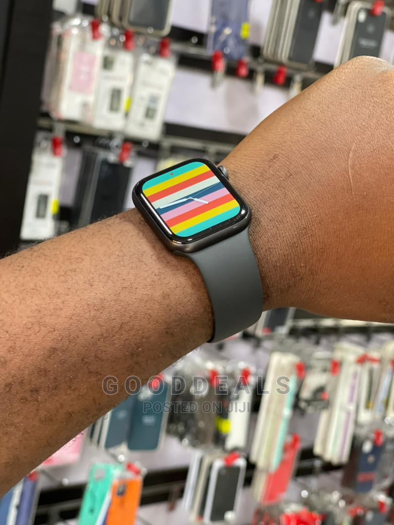 Apple Iwatch Series 6 40mm | Smart Watches & Trackers for sale in Port-Harcourt, Rivers State, Nigeria
