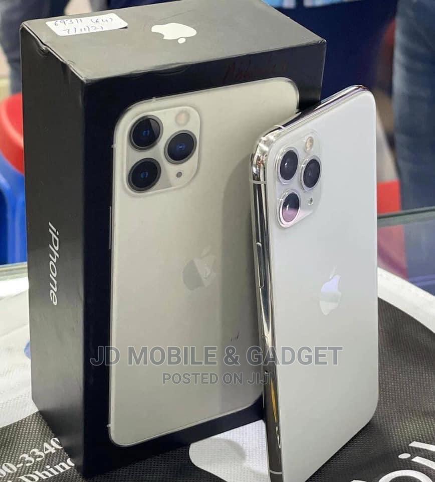 Apple iPhone 11 Pro Max 256 GB White   Mobile Phones for sale in Amuwo-Odofin, Lagos State, Nigeria