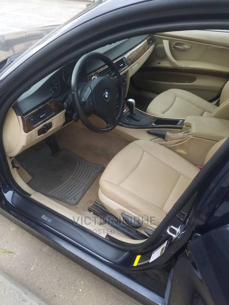Archive: BMW 325i 2007 Blue