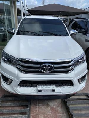 Toyota Hilux 2010 2.5 D-4d 4X4 SRX White   Cars for sale in Lagos State, Abule Egba