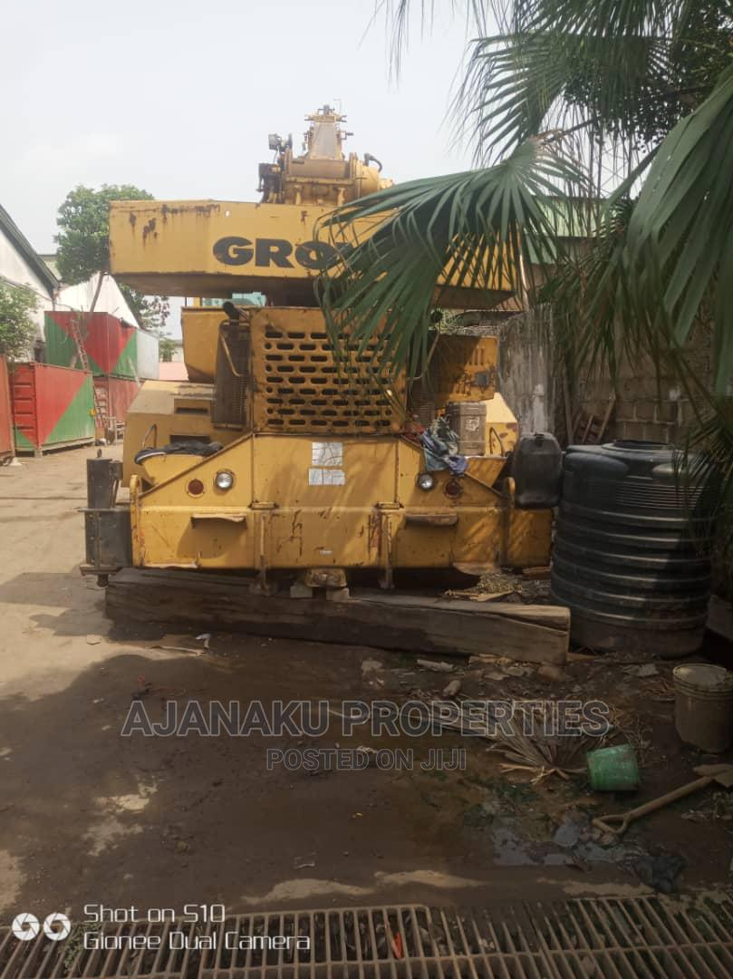 40 Tones Grove Crane for Sale This Machine Is Good Condition