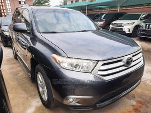 Toyota Highlander 2013 SE 3.5L 4WD Gray | Cars for sale in Lagos State, Amuwo-Odofin