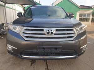 Toyota Highlander 2013 SE 3.5L 4WD Gray | Cars for sale in Lagos State, Alimosho