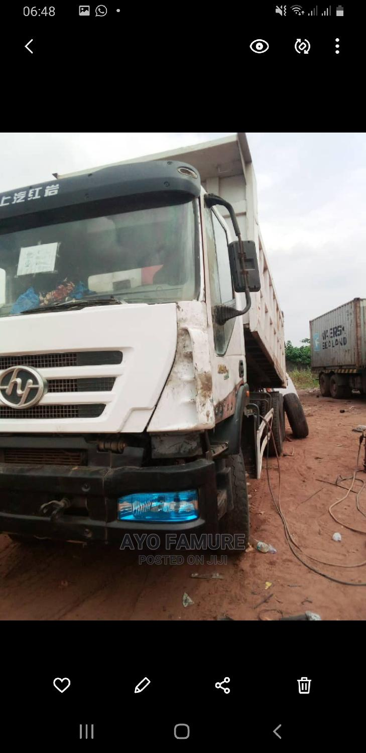 Used 30tons Chinese Truck