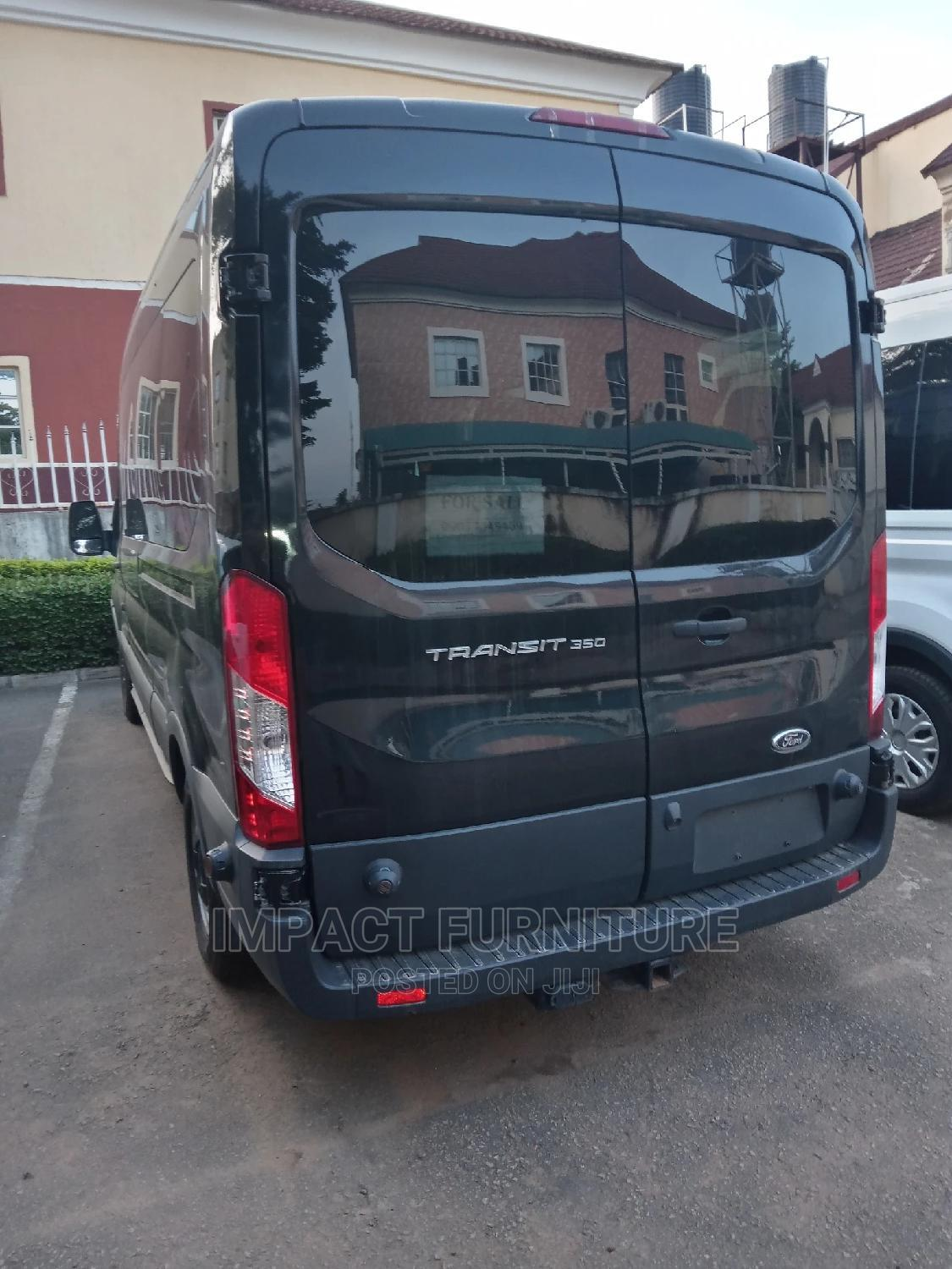 Archive: Ford Transit 2017