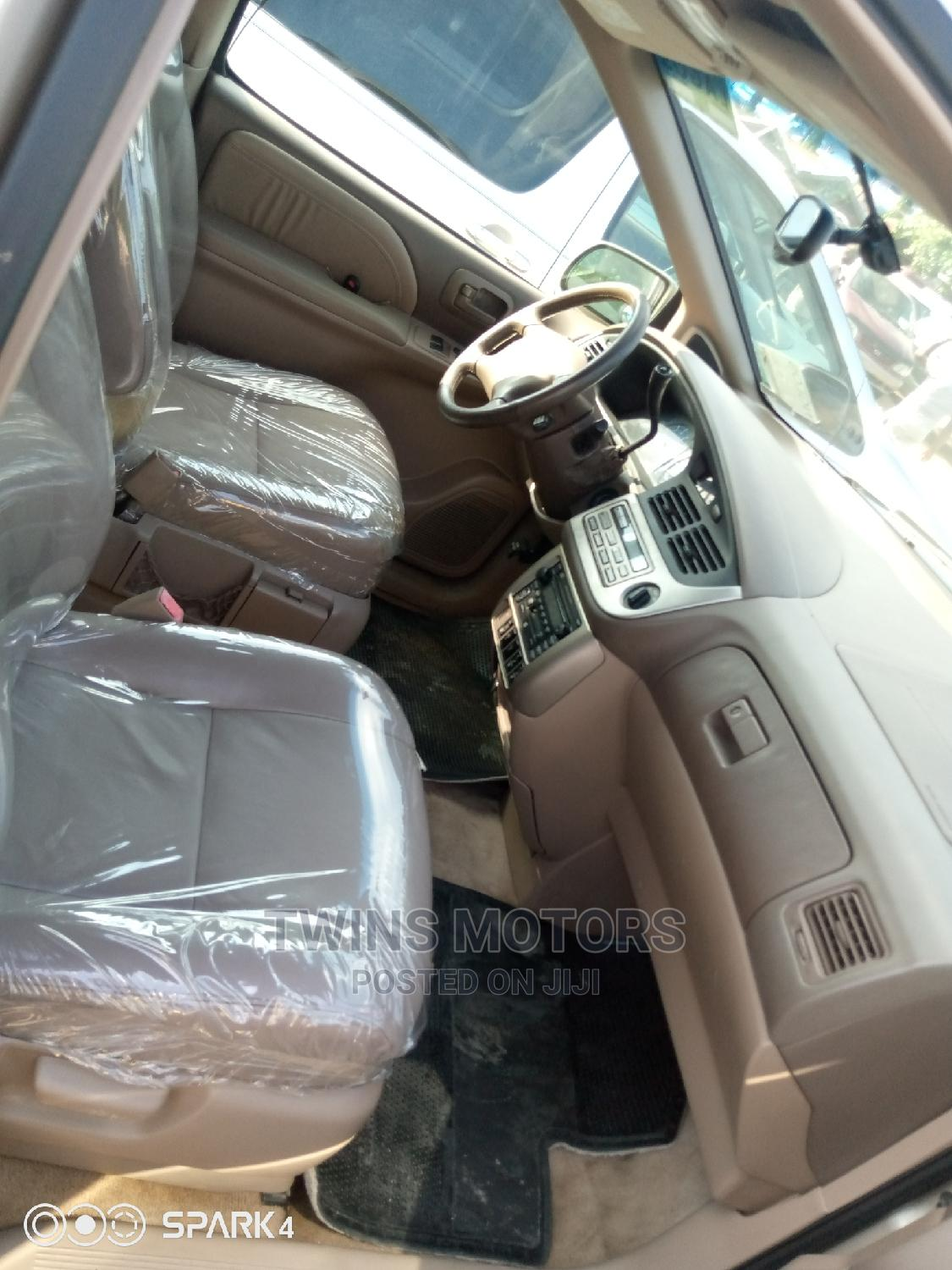 Toyota Sienna 2003 Gold | Cars for sale in Apapa, Lagos State, Nigeria