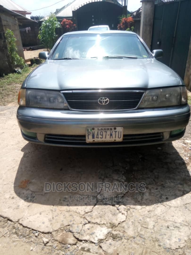 Archive: Toyota Avalon 1999 XL Gray