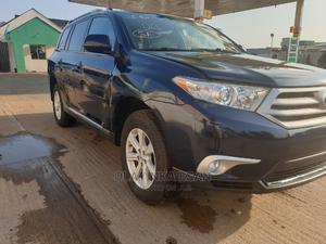 Toyota Highlander 2013 SE 3.5L 4WD Blue | Cars for sale in Lagos State, Alimosho