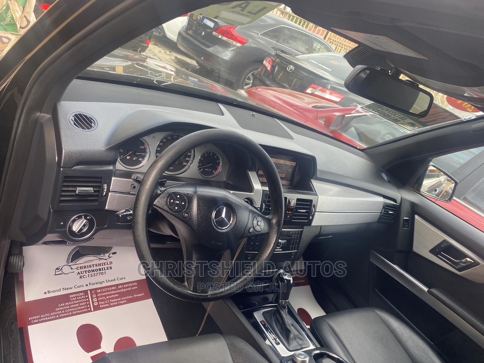 Archive: Mercedes-Benz GLK-Class 2011 350 4MATIC Black