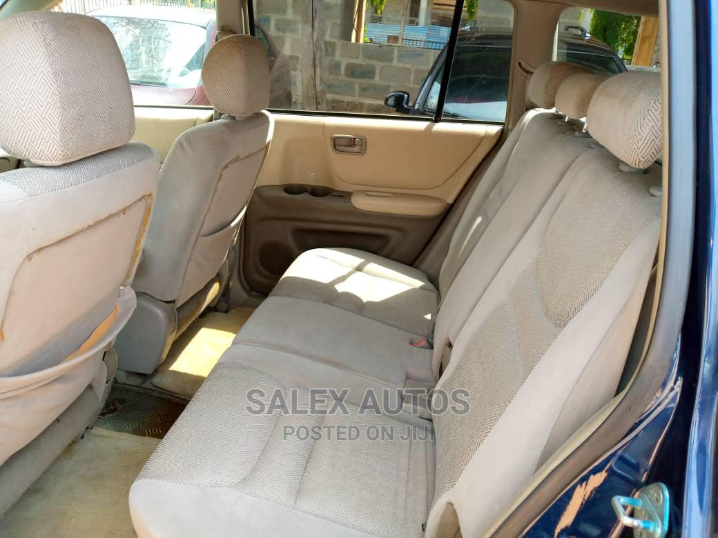 Archive: Toyota Highlander 2004 Limited V6 FWD Blue