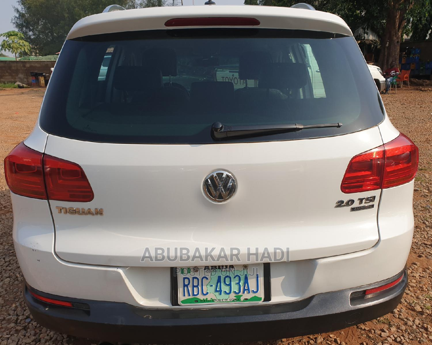 Volkswagen Tiguan 2009 2.0 SE White | Cars for sale in Central Business District, Abuja (FCT) State, Nigeria