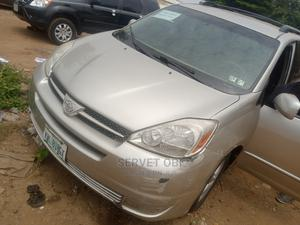 Toyota Sienna 2005 Silver | Cars for sale in Abuja (FCT) State, Gwarinpa
