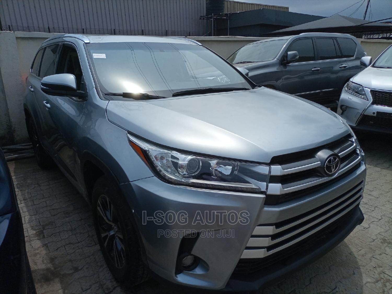 Archive: Toyota Highlander 2016 Gray