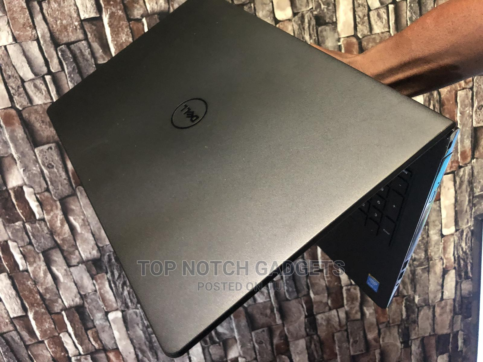 Archive: Laptop Dell Inspiron 15R 4GB Intel Core I3 HDD 1T