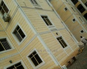 Well Located Office, Shop for Rent in Utako | Commercial Property For Rent for sale in Abuja (FCT) State, Utako