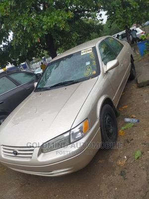 Toyota Camry 1999 Automatic Gold | Cars for sale in Lagos State, Magodo