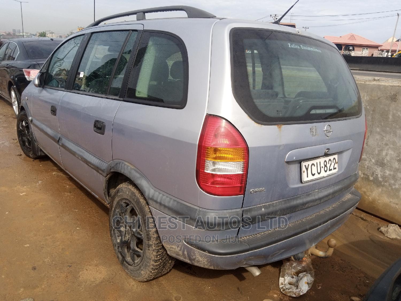 Archive: Opel Zafira 2001 Gray