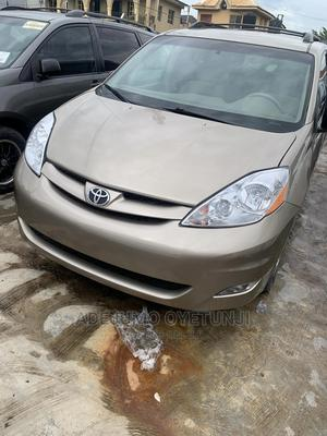 Toyota Sienna 2007 Gold | Cars for sale in Oyo State, Ibadan
