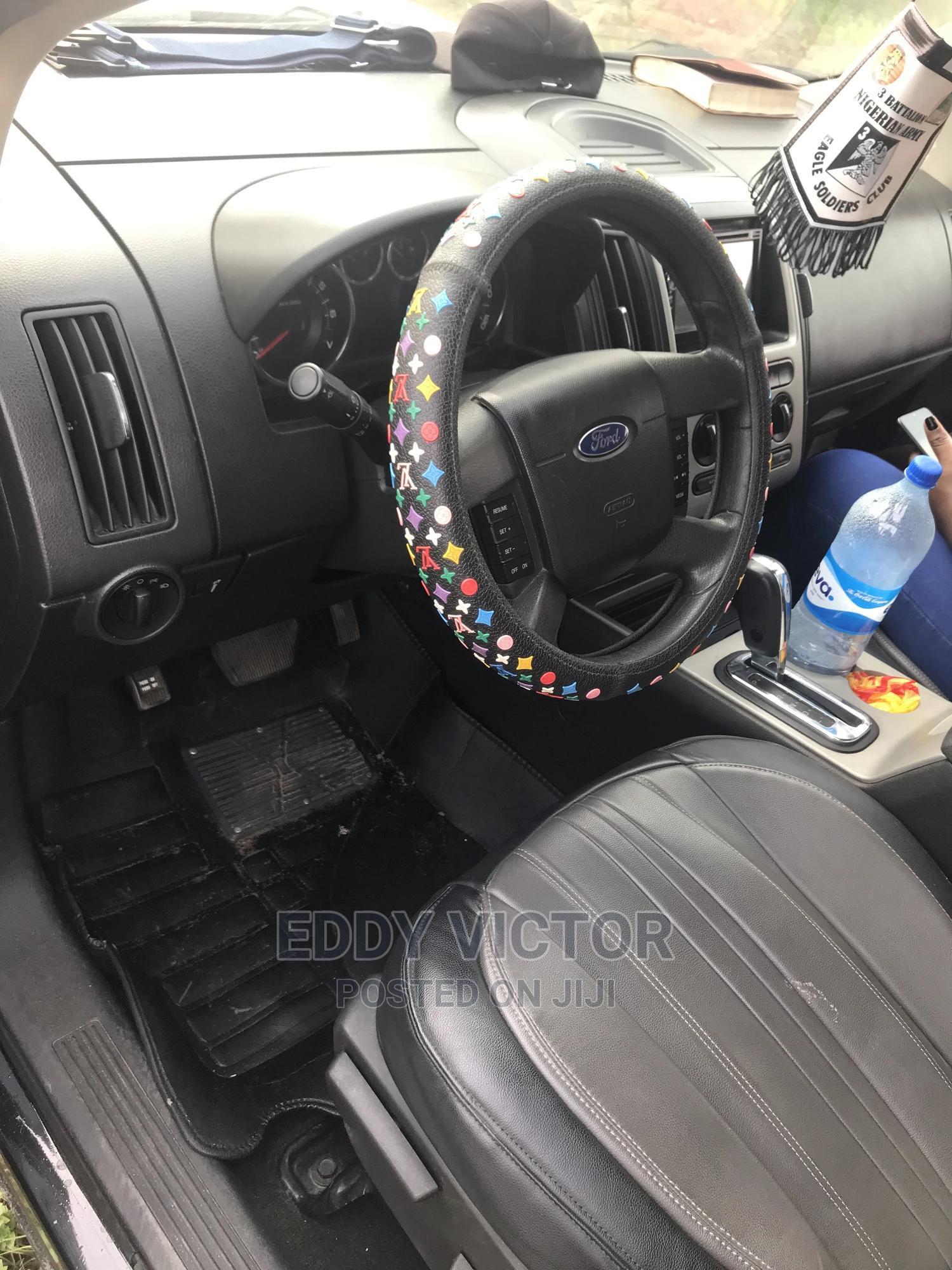 Archive: Ford Edge 2010 Black