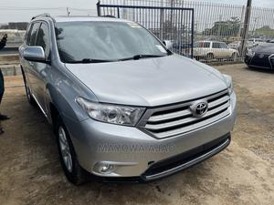 Toyota Highlander 2012 SE Silver | Cars for sale in Lagos State, Ogba