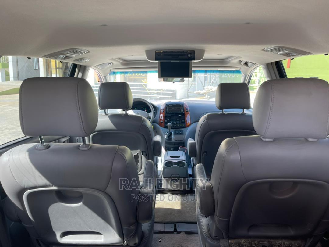 Toyota Sienna 2007 XLE Limited 4WD Gray | Cars for sale in Ikeja, Lagos State, Nigeria