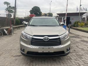 Toyota Highlander 2015 Gold   Cars for sale in Lagos State, Ikoyi