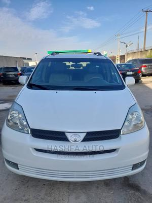 Toyota Sienna 2004 XLE AWD (3.3L V6 5A) White   Cars for sale in Lagos State, Gbagada