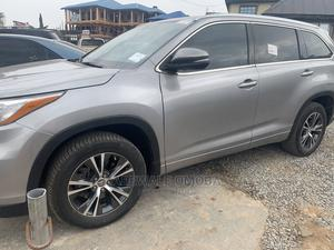 Toyota Highlander 2016 XLE V6 4x2 (3.5L 6cyl 6A) Silver | Cars for sale in Oyo State, Oluyole