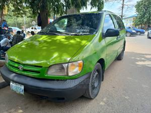 Toyota Sienna 1998 LE 4dr Green | Cars for sale in Abuja (FCT) State, Kubwa