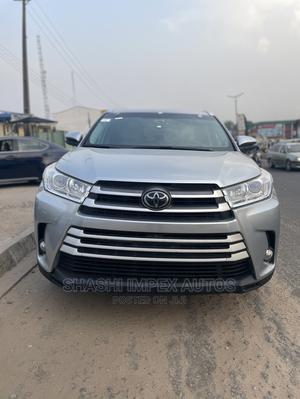 Toyota Highlander 2018 XLE 4x4 V6 (3.5L 6cyl 8A) Silver   Cars for sale in Oyo State, Ibadan