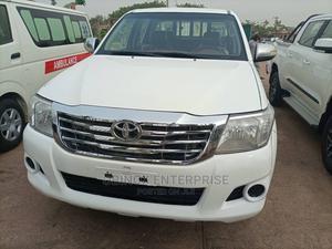 Toyota Hilux 2014 SR5 4x4 White | Cars for sale in Abuja (FCT) State, Gudu