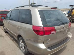Toyota Sienna 2006 LE AWD Gold | Cars for sale in Lagos State, Apapa