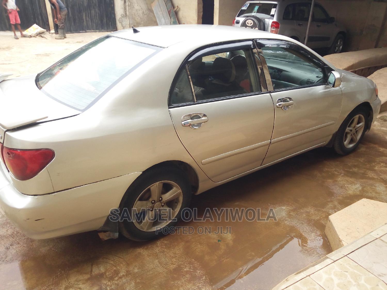 Toyota Corolla 2004 Sedan Automatic Silver | Cars for sale in Ibadan, Oyo State, Nigeria