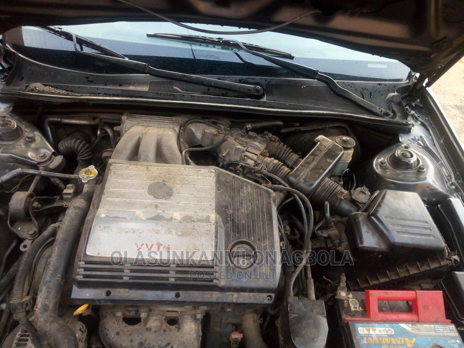 Toyota Avalon 2003 XLS W/ Bucket Seats Gray | Cars for sale in Ejigbo, Lagos State, Nigeria
