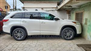 Toyota Highlander 2017 XLE 4x4 V6 (3.5L 6cyl 8A) White | Cars for sale in Lagos State, Ikeja