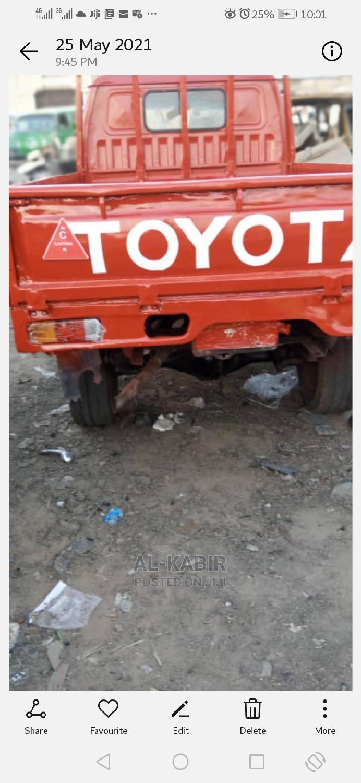 Toyota Hiace Trucks for Sale. Good Engine, Good Body.
