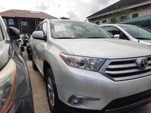 Toyota Highlander 2013 SE 3.5L 2WD White   Cars for sale in Lagos State, Amuwo-Odofin