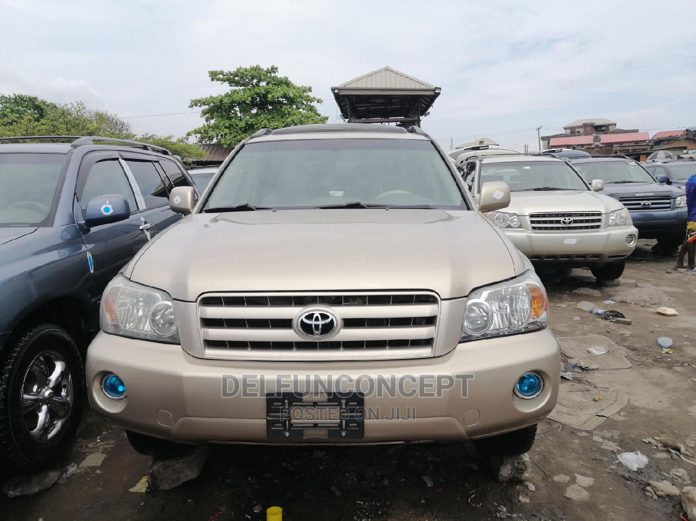 Toyota Highlander 2005 Gold