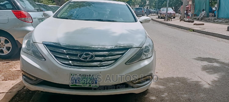Archive: Hyundai Sonata 2012 White